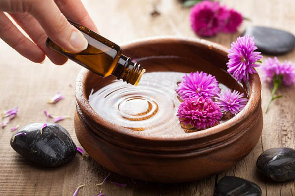 Aromatherapy and Tea Bar